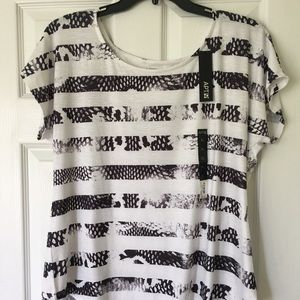 Apt 9 XL White T W/Black Animal Print Stripes. NWT